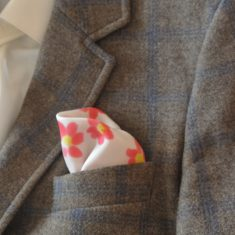 """Pañuelo de bolsillo para caballero de 36x36 cm ( 14""""x14"""") Flores rojas."""