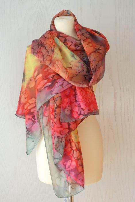 Foular grande de seda natural 90x180 cm con motivo abstracto marmoleado colorido.