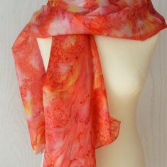 Foular grande de seda natural 90x180 cm con motivo abstracto marmoleado rojo.