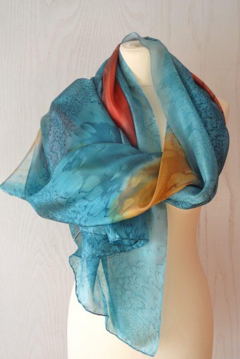 Foular grande de seda natural 90x180 cm con motivo abstracto azul con cuadro de colores.